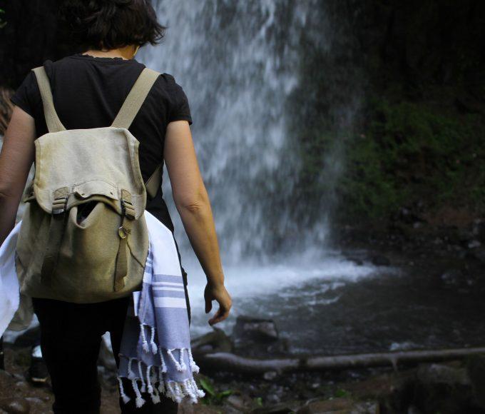 peshtemal-hiking